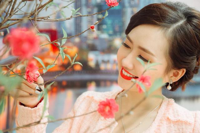 Dương Huyền, một nữ MC dẫn chương trình thời tiết xinh đẹp của đài VTV